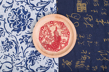 中国风礼品剪纸对称摆拍图片
