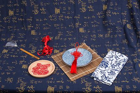 中国风传统工艺品排列摆拍图片