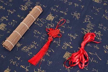 中国风礼品中国结红穗摆拍图片