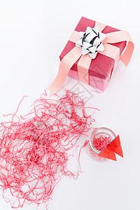 粉色节日礼品礼盒创意摆拍图片