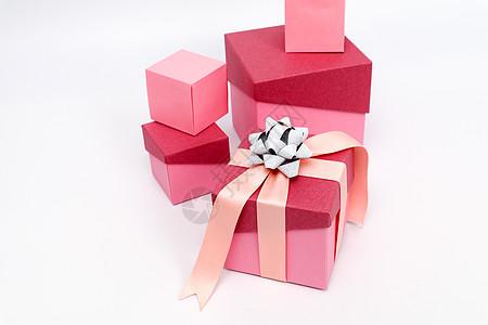 粉色大小礼盒组合摆拍图片