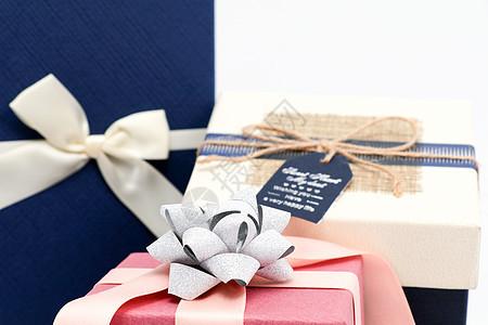 粉色礼物盒图片