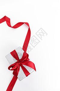 系红色蝴蝶结的礼物素材图片