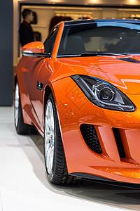 橙色高级豪华汽车车头图片