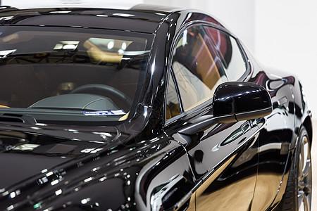 黑色高级豪华轿车效率安全图片