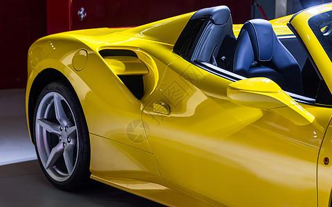 黄色跑车高级豪华汽车图片