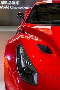 红色高级豪华跑车图片