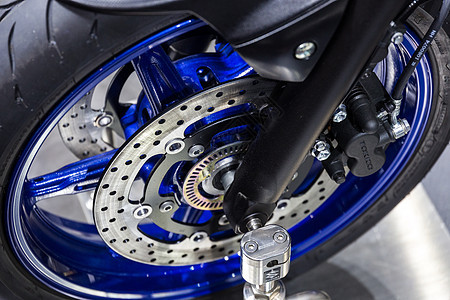 运动摩托车刹车碟图片
