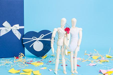 清新文艺木偶情侣结婚礼盒图片