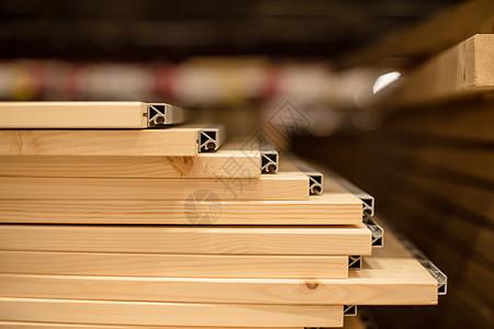 仓库货架购物节木料特写图片