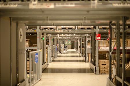 仓库货架购物节货架纵深图片