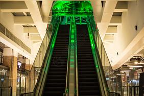 商场设施天台电梯图片