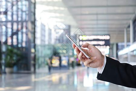 商务人士机场打电话图片