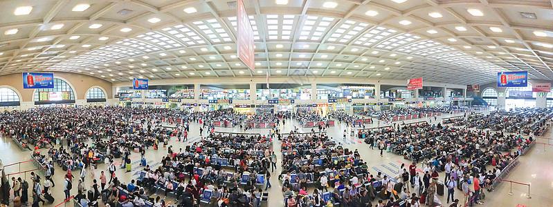 交通汉口火车站人群全景图片