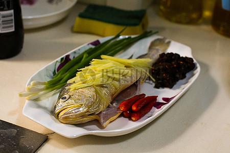 黄鱼配菜图片