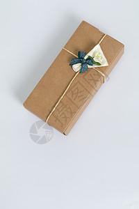 牛皮纸礼物包装多角度拍摄图片