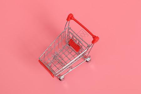 红色超市购物手推车图片
