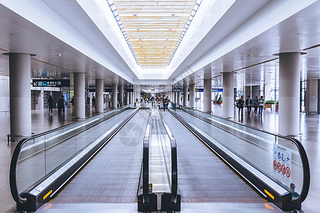 机场直行电梯图片