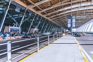机场出口旅客下客区图片