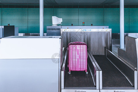 机场行李托运安检图片