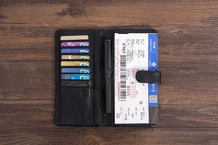 黑色真皮钱包登机牌图片