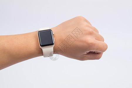 男士手戴智能手表手环图片