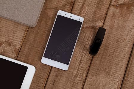 智能手环手机组合摆拍图片