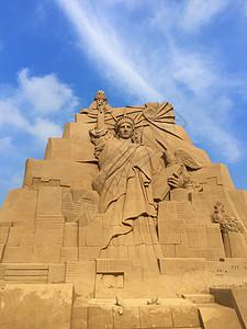 蓝天下的自由女神像沙雕建筑图片