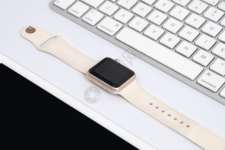 平板电脑苹果键盘和iWatch图片