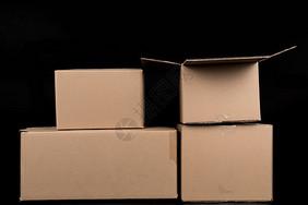 物流快递纸质盒子排列打开图片