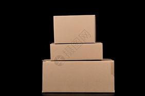物流快递纸质盒子排列叠放图片