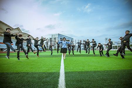 足球场 民国风毕业照图片