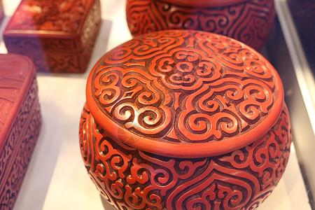 传统中国红漆器图片