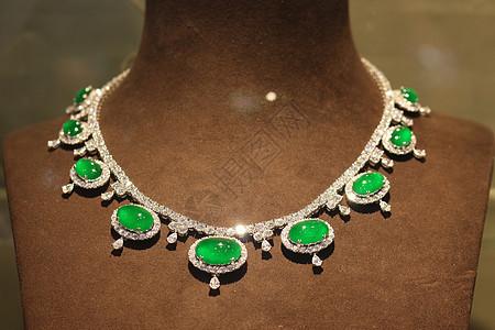高贵典雅绿色翡翠项链图片