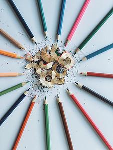 铅笔围成一圈图片