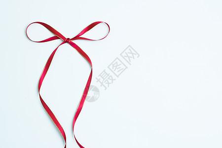 红色缎带的造型图片