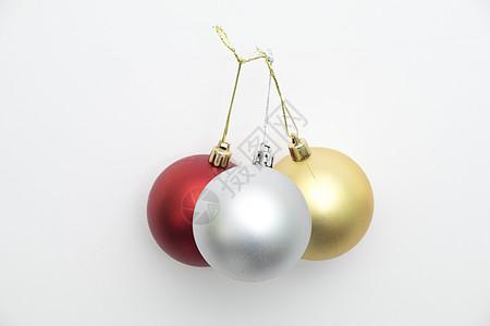 圣诞球装饰球白底拍摄图片