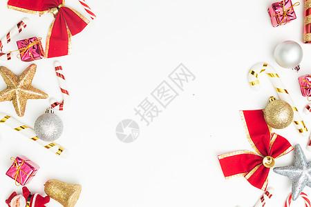 红色圣诞礼物元素组合拍摄图片