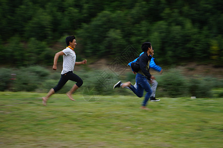 奔跑的孩子图片
