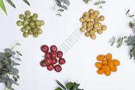 桌上的各种水果图片