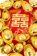 结婚喜庆嫁妆元宝红布排列图片
