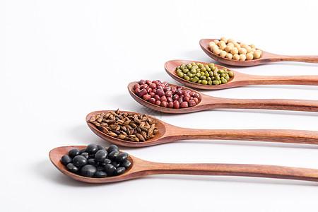 农家特产豆子和麦仁图片