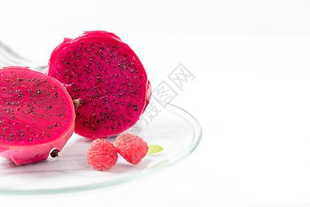 红色火龙果摆拍图片