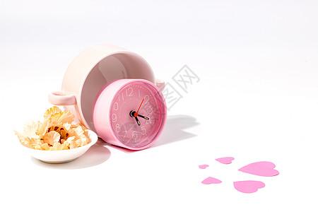 粉色闹钟和爱心图片