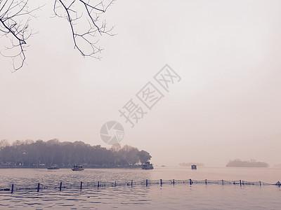 西湖烟雨图片