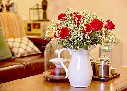 现代简约欧式风格家庭沙发靠垫生活小摆件和小装饰茶几咖啡玫瑰花图片