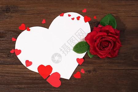 玫瑰花和礼品盒图片