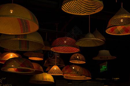 城市商场店铺创意灯光图片