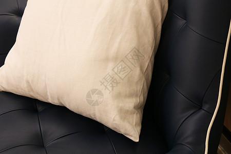 白色抱枕图片