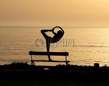 瑜伽美女图片
